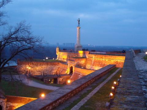 noche-belgrado.jpg
